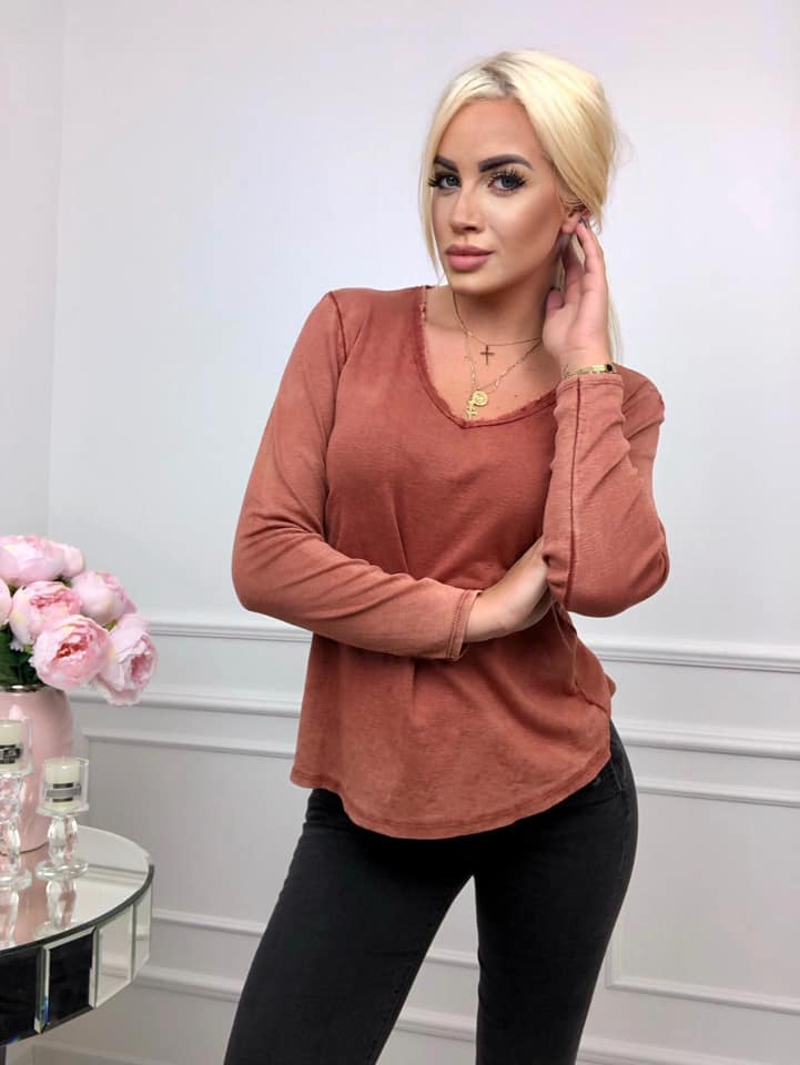 ceglasta bluzka damska z dekoltem w serek