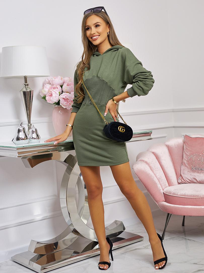 sukienka ze sciagaczem i kapturem khaki