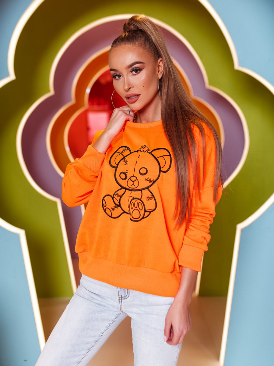 bluza z haftowanym misiem pomaranczowa (3)