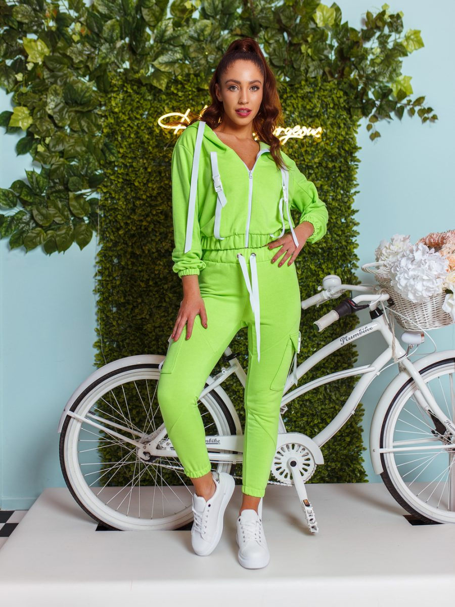 dres komplet bluza z zamkiem i kapturem spodnie klamerki tasmy jasny zielony (1)