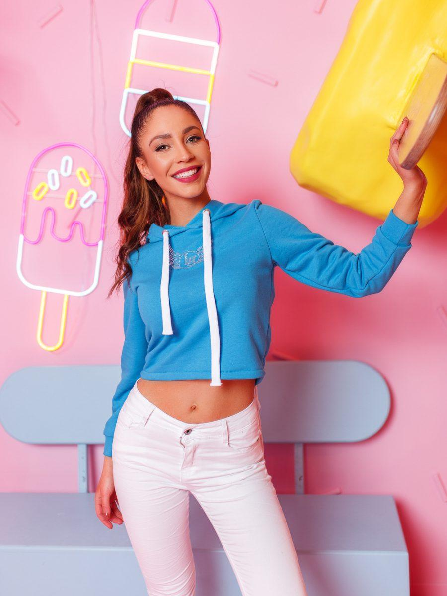 krotka bluza damska z cyrkoniami wiazana z tylu niebieska (1)