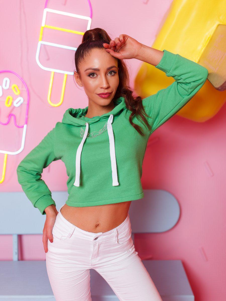 krotka bluza damska z cyrkoniami wiazana z tylu zielona (1)