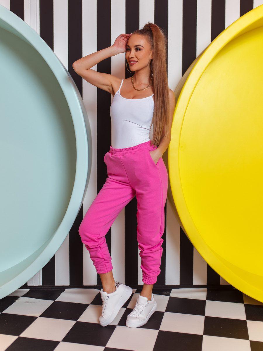 spodnkie dresowe damskie ze sciagaczami z kieszeniami bawelniane rozowe (1)