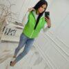 bezrekawnik kamizelka damska z kapturem z tasmami logaowanymi krotki zielony