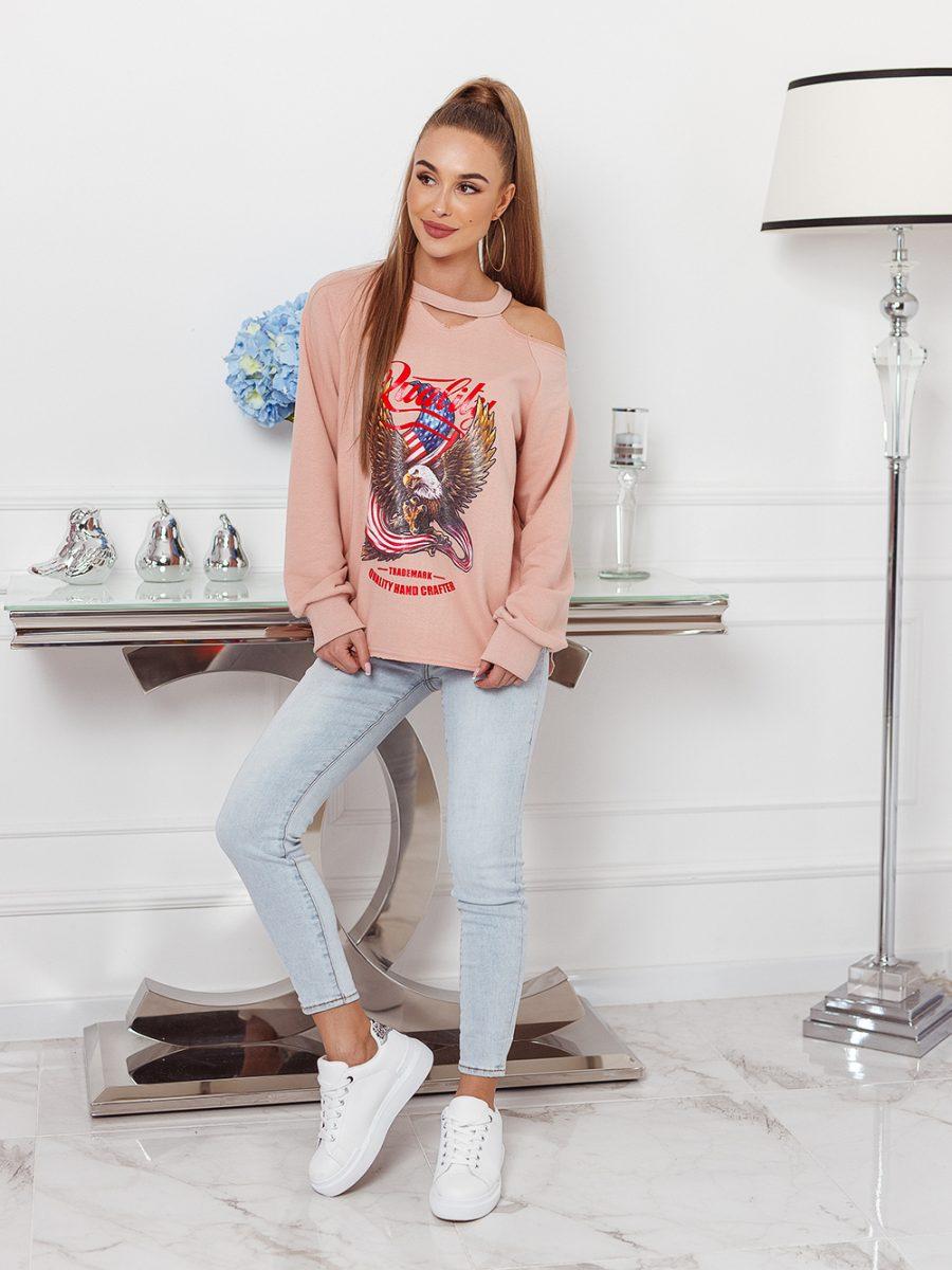 bluza z nadrukowanym orlem na przodzie odkryte ramie puder roz (1)