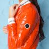 kurtka bomberka damska pikowana ze sciagaczem ingrosso pomaranczowa (1)
