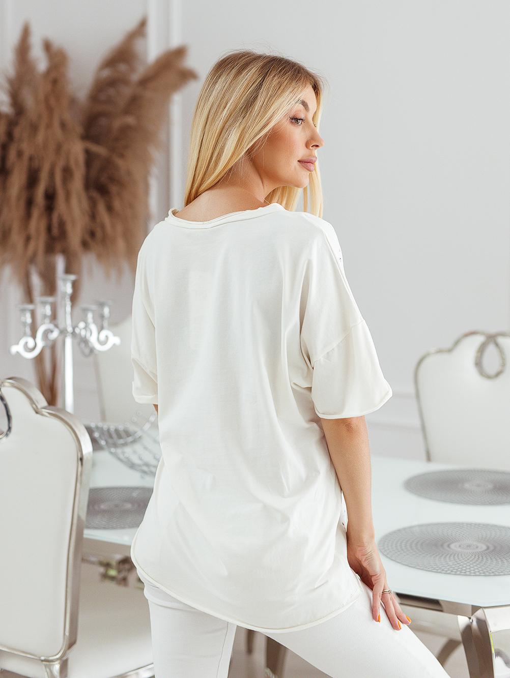 T-shirt big size nakrapiany z haftem ecru 5