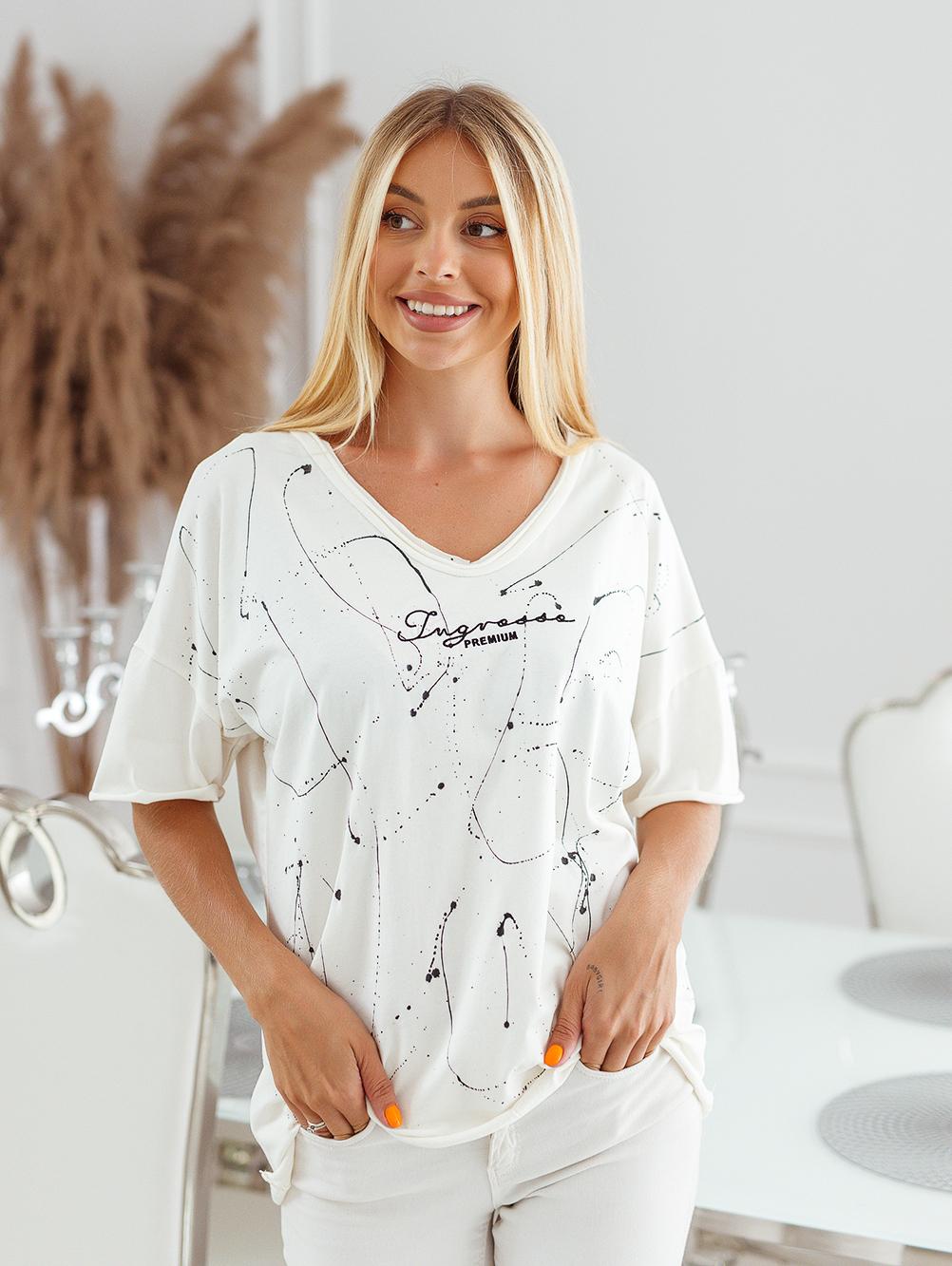 T-shirt big size nakrapiany z haftem ecru