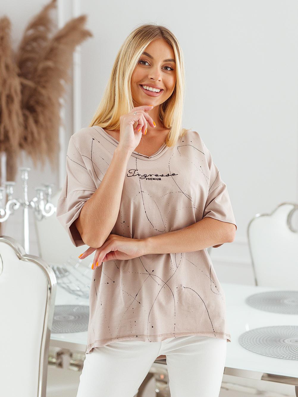 T-shirt big size nakrapiany z haftem mokka 3