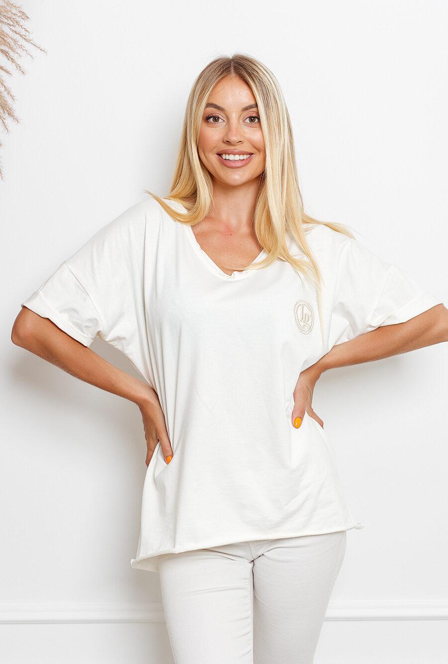T-shirt big size z haftowanym logiem ecru 2