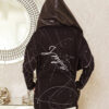 narzutka damska nakrapiana z haftem na plecach czarna