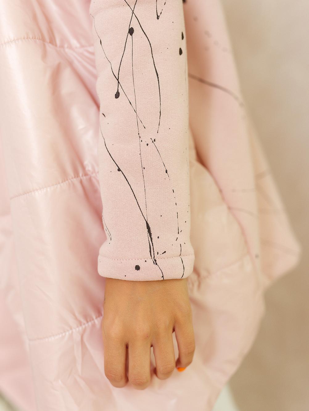 narzutka damska nakrapiana z haftem na plecach pudrowy róż 2