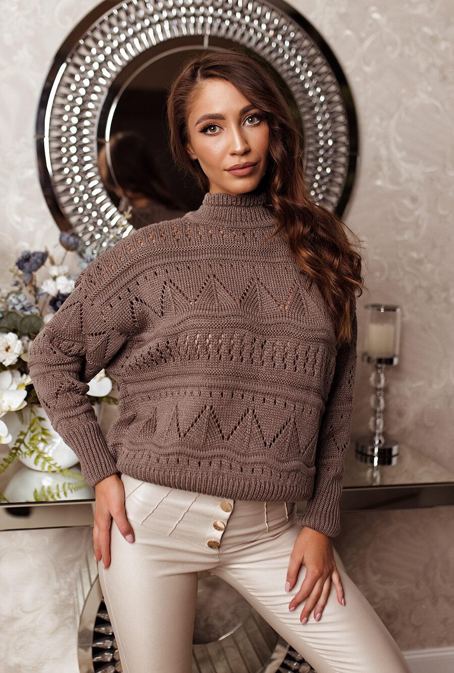 Sweter ażurowy mokka1