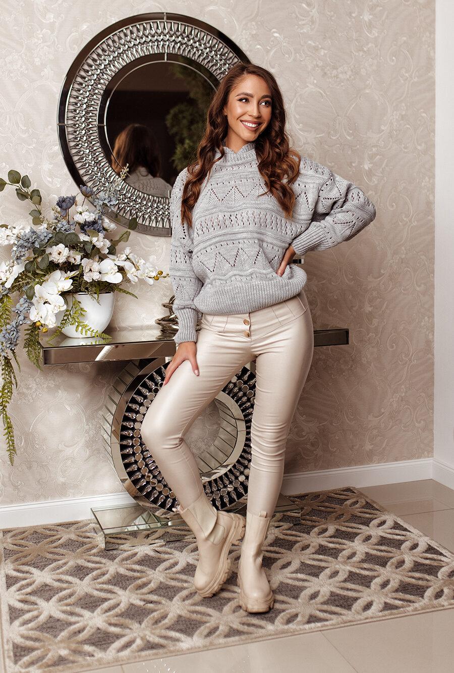 Sweter ażurowy szary 1